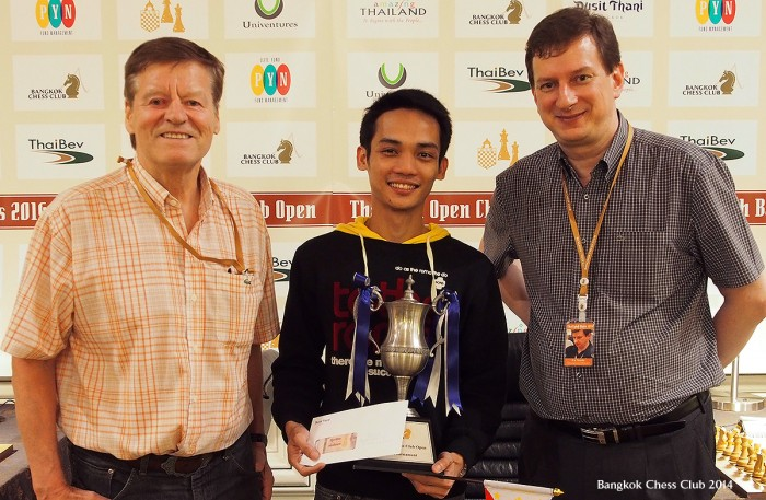 Oliver Barbosa with the Bangkok Chess Club Blitz Trophy